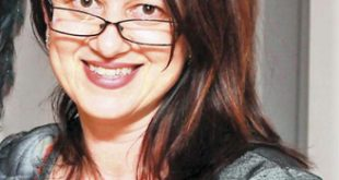 """Simona Oprita (Montreal): """"Mi-as scoate toti romanii din tara aia comatoasa si i-as aduce aici, in Canada"""""""
